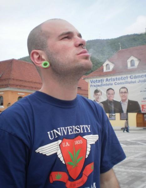 FurniciCoapte, barbat, 30 ani, Brasov