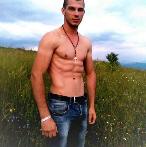 Internationalu, barbat, 24 ani, Alba Iulia