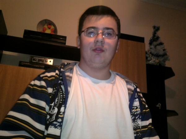 DragosDRG, barbat, 26 ani, Targu Mures