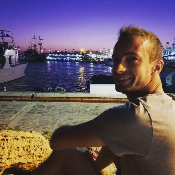AdrianPa, barbat, 32 ani, Belgia