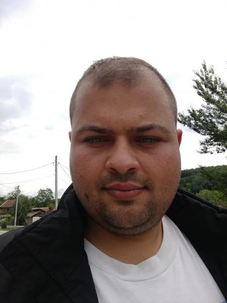 Andrei02201, barbat, 24 ani, Targu Carbunesti