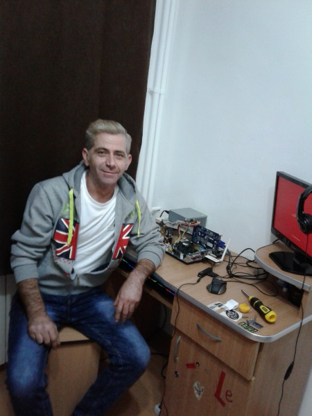 dinisoara_alexandru, barbat, 45 ani, Drobeta Turnu Severin