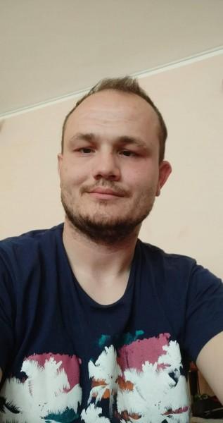Sebaseba86, barbat, 33 ani, Oradea