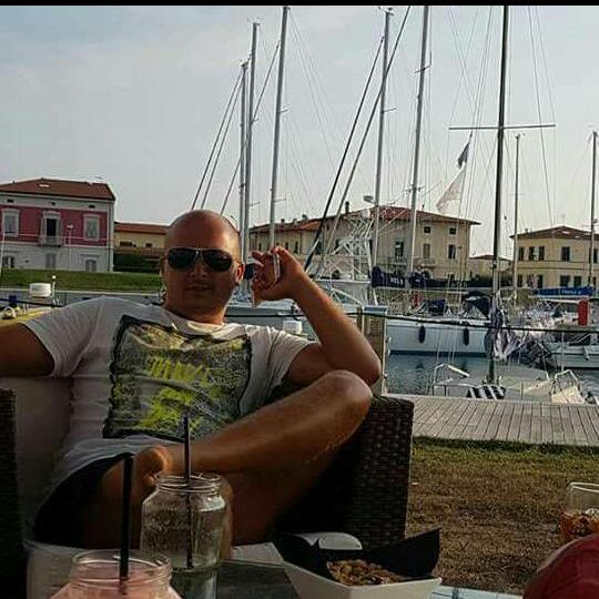 dragosdr35, barbat, 35 ani, Romania