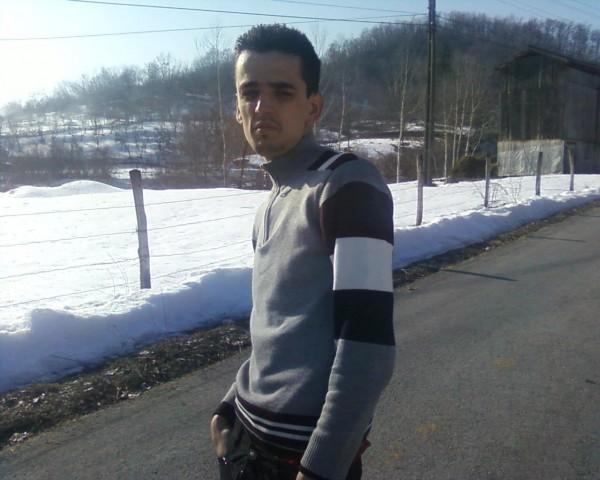 FlorinIsmana, barbat, 18 ani, Ramnicu Valcea