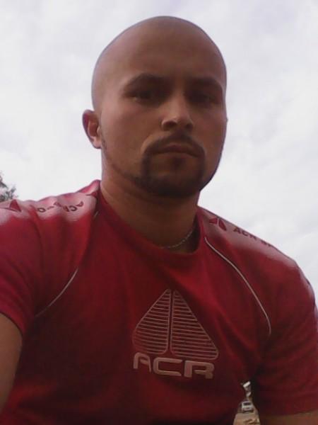cristianjimmy, barbat, 32 ani, Pitesti