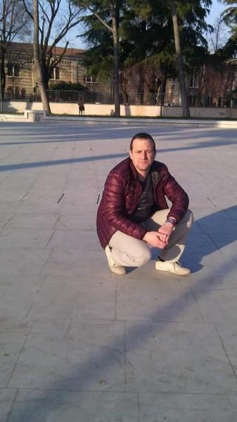 Yuliw, barbat, 41 ani, Pitesti
