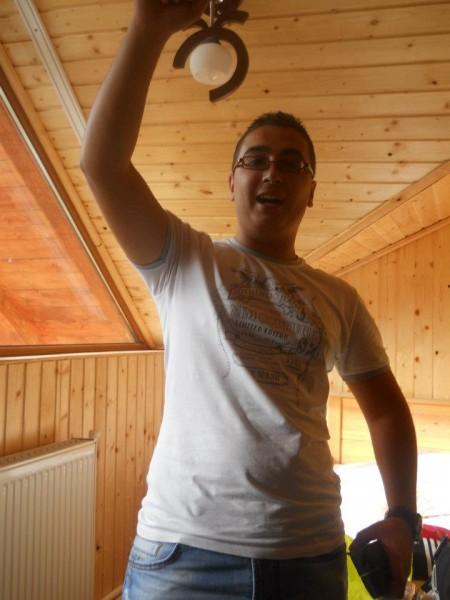 ionut9556, barbat, 24 ani, Targoviste